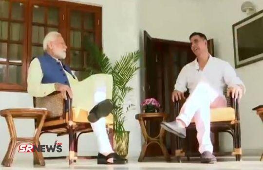 PM Modi with Akshay