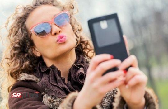 Girl Selfie Pout