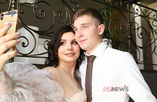 35 year old mother married with son