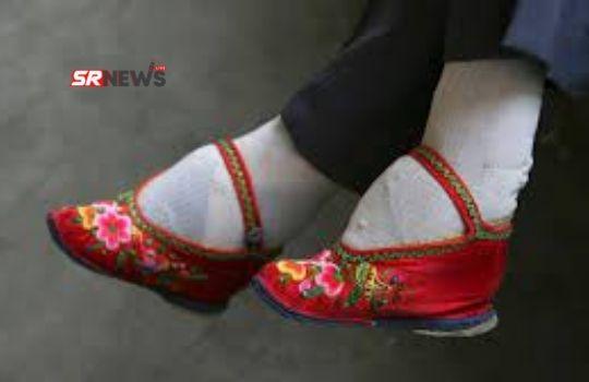 Foot Binding Practice in HIndi