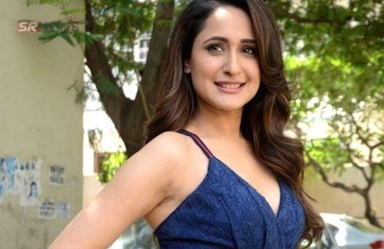 Pragya Jaiswal bold photo